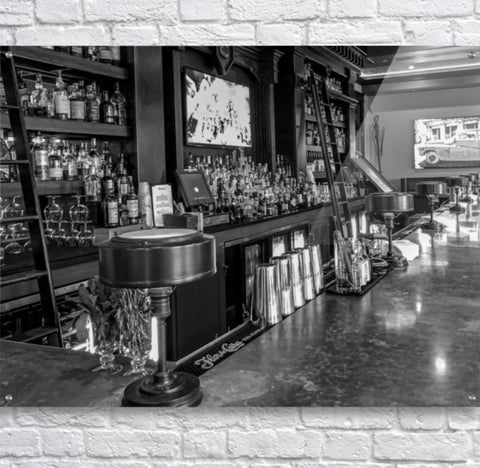Black and White: The Pearl Bar