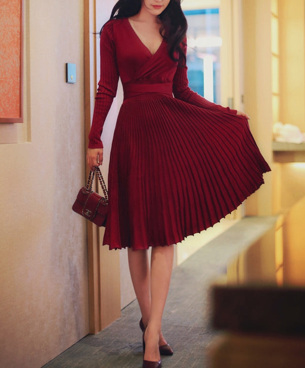Knitted swirl dress (ready stock in black and red/3 colours)