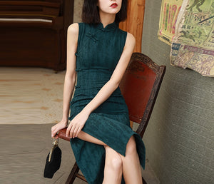 Zaalia sleeveless cheongsam (ready stock in L green/ 2 colours)