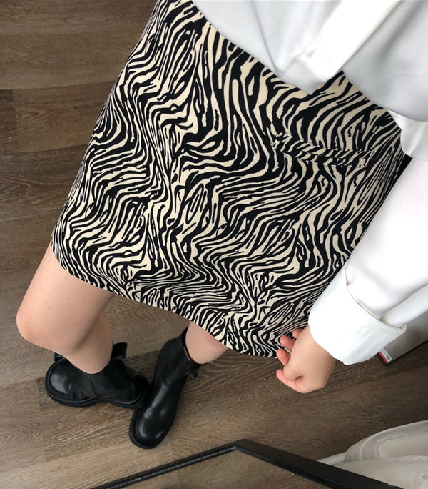 Wildin' skirt (ready stock in XS zebra / 2 print)