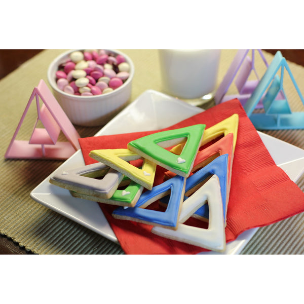 LiveGreek® Greek Alphabet Cookie Cutters - decorated Delta cookie examples - #LiveGreek #ScottKaminski #MiaKaminski #Panhellenic #sororitysupplies #bigsislilsis #students #college #rush #graduationgifts #sororityhouse #fraternal #fraternity #cookiecutters #artstencil #GreekAlphabet