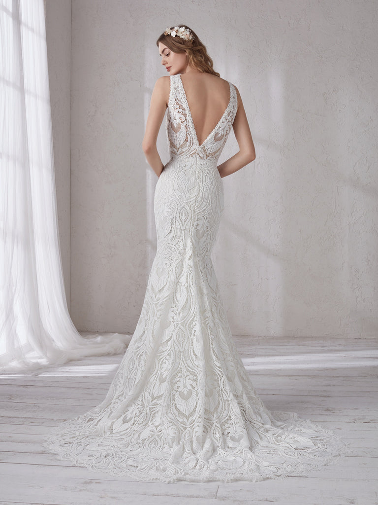 Pronovias Magnolia mermaid wedding dress