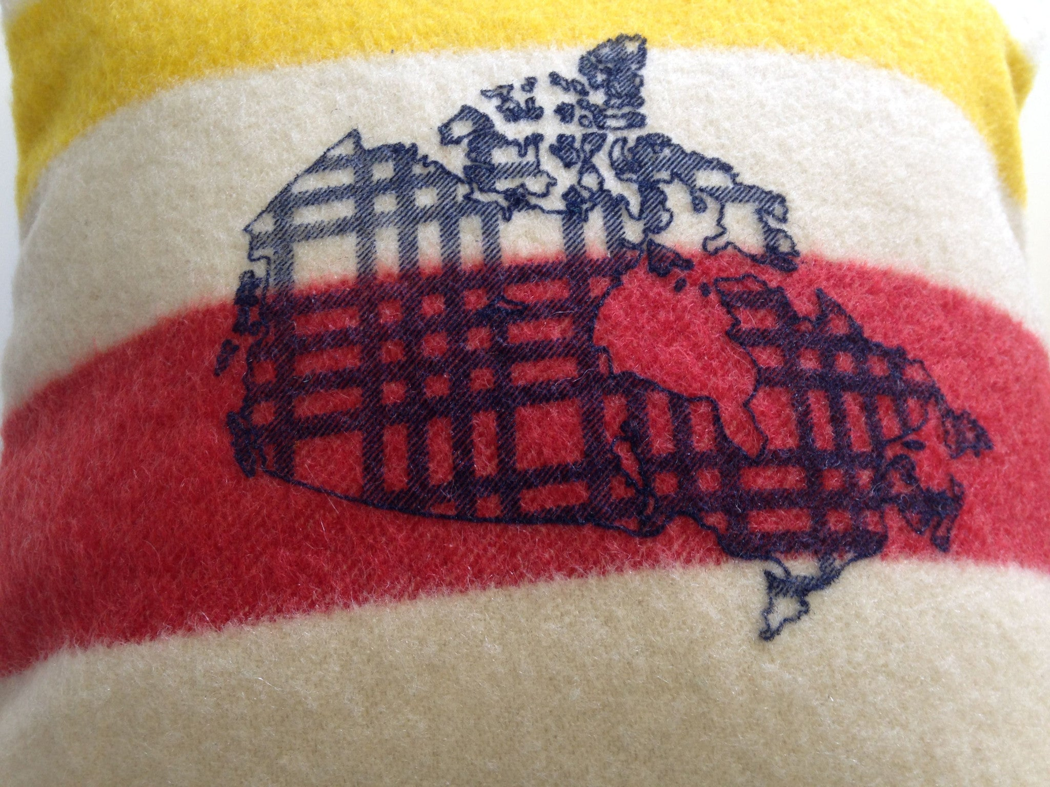 Map 'OH' Canada Trapper Pillow