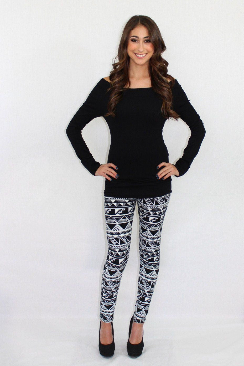 Pound the Alarm Aztec Leggings - The Laguna Room