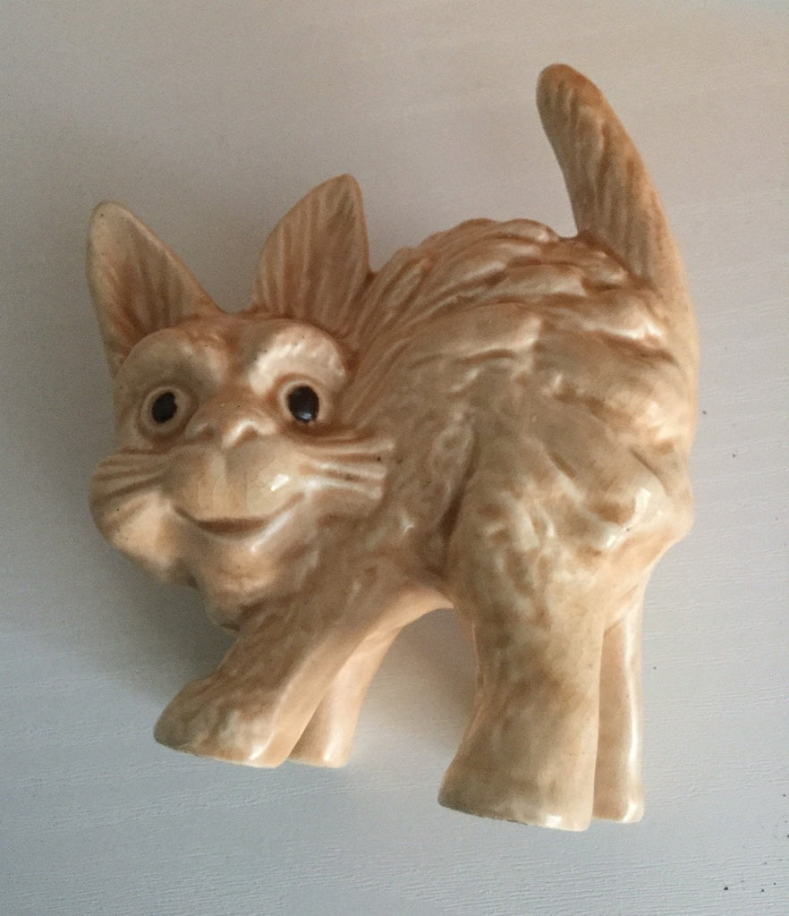 Scaredy Cat, Staffordshire Pottery, 1940s Ceramic Figurine, Price Brothers, Vintage Collectible
