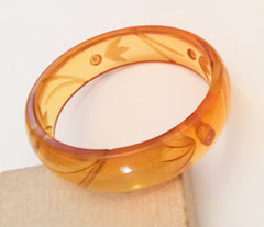 Bakelite Bangle Bracelet, Apple Juice, 1930s Art Deco