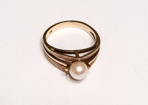 NOW SOLD Pearl Ring 14K Modernist 1960s Vintage Fine Jewelry