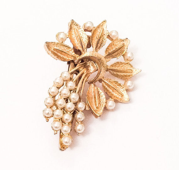 NOW SOLD Pearl Spray Barrette, Cream, Ivory, Wedding, Atomic, Vintage Accessories