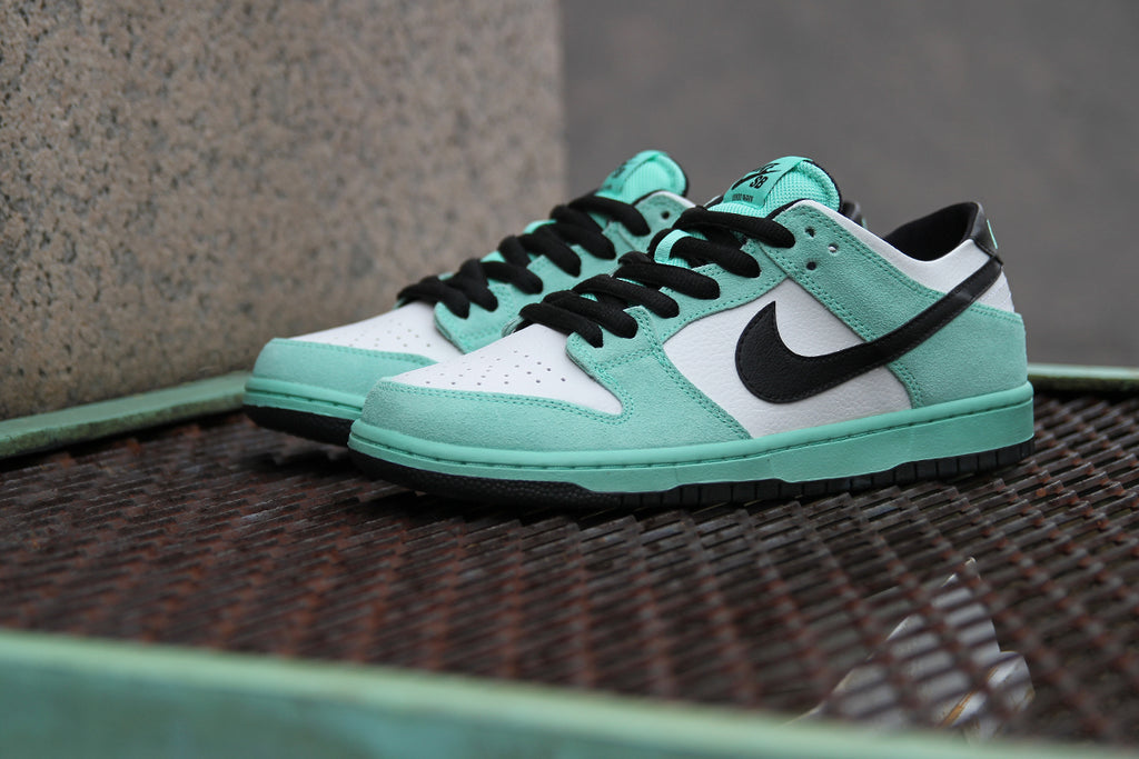 size 40 8e8f6 d1413 NIKE SB DUNK LOW PRO IW - SEA CRYSTAL – Premier