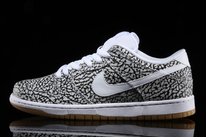 Dunk Low Premium (Road)
