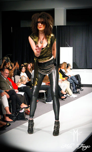 ARMADA DE V DEBUT GRADUATE COLLECTION MILA FARGO HAUTE COUTURE SPRING 2011/2012 / Souixsie Sioux sharkskin chainmail leggings liquid gold samurai Top