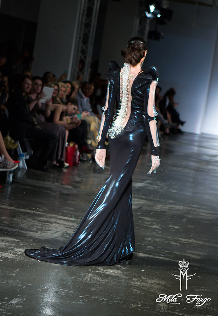 Mila Fargo EXOS DEATH SUIT SKELETAL Gown Back FINALE runway look 7 / EXOS COUTURE SHOW 2015 /16