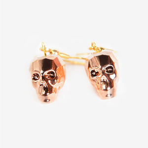 CRYSTAL SKULL EARRINGS | Rose Gold Chromium Mila Fargo T shirt