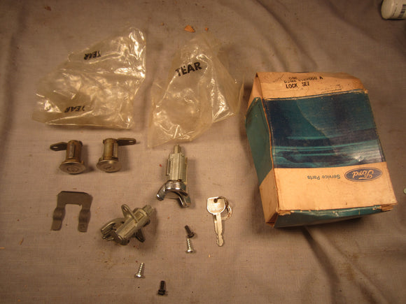 1973 Mercury lock set D3MZ-6522050-A - Andrew's Automotive Archaeology