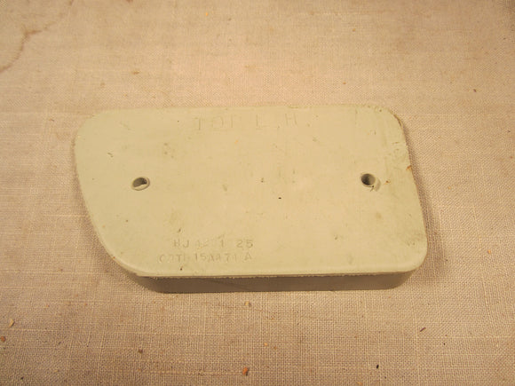 1968-1971 Ford F100 rear reflector mounting pad C8TZ-13A493-B - Andrew's Automotive Archaeology