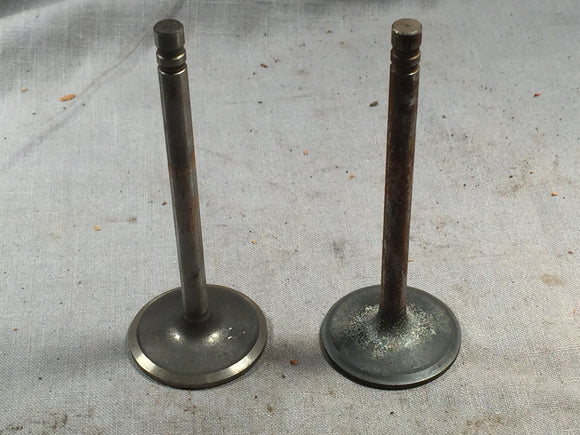 Perfect Circle 211-1960 engine valve 1.92 diameter lot of two - Andrew's Automotive Archaeology