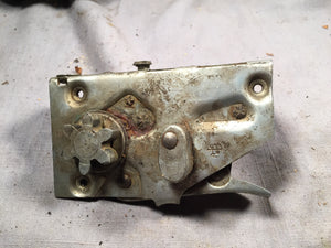 1950-1951 Ford RH front door latch 0A-7021812 - Andrew's Automotive Archaeology