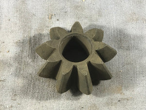 1935-1939 Ford 1 1/2 ton Model AA differential pinion gear 79-4215 NOS - Andrew's Automotive Archaeology