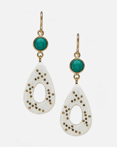 BENDI EARRING TURQUOISE IN LIGHT HORN