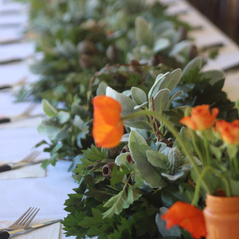 Table Setting Kangaroo Vine Runner