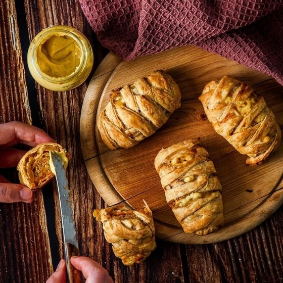 puff pastiries with mustard