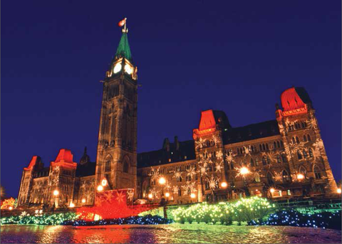 The Parliament Buildings at Christmas/Les édifices du Parlement à Noël