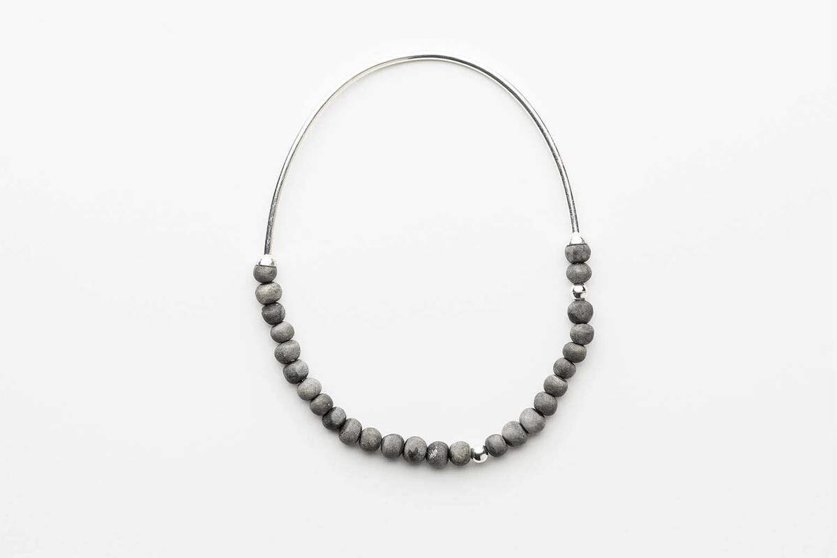 Klaylife | zoya necklace | charcoal,silver