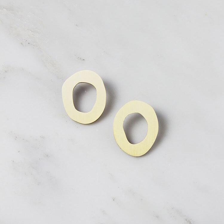 Jewellery - Wolf and Moon | hepworth I studs | brushed brass - mondocherry
