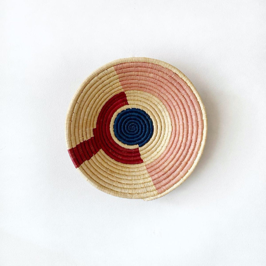 "African woven bowl ""Arc & Dot"" 