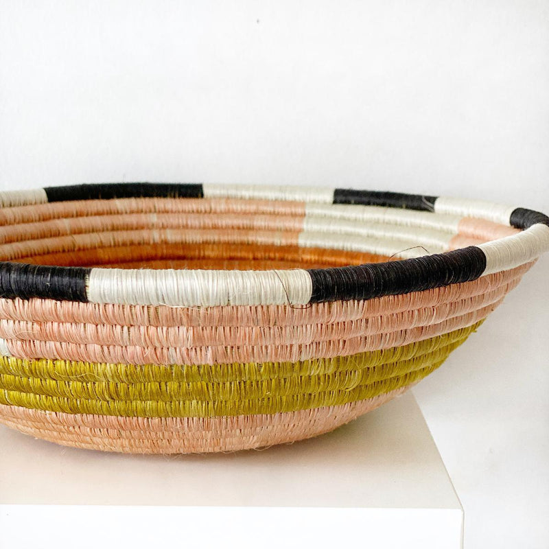 "African woven bowl ""Geo"" 