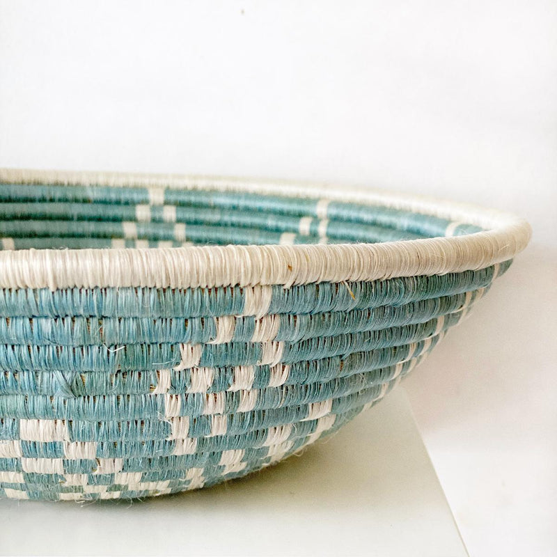 "African woven bowl ""Ikaze"" 
