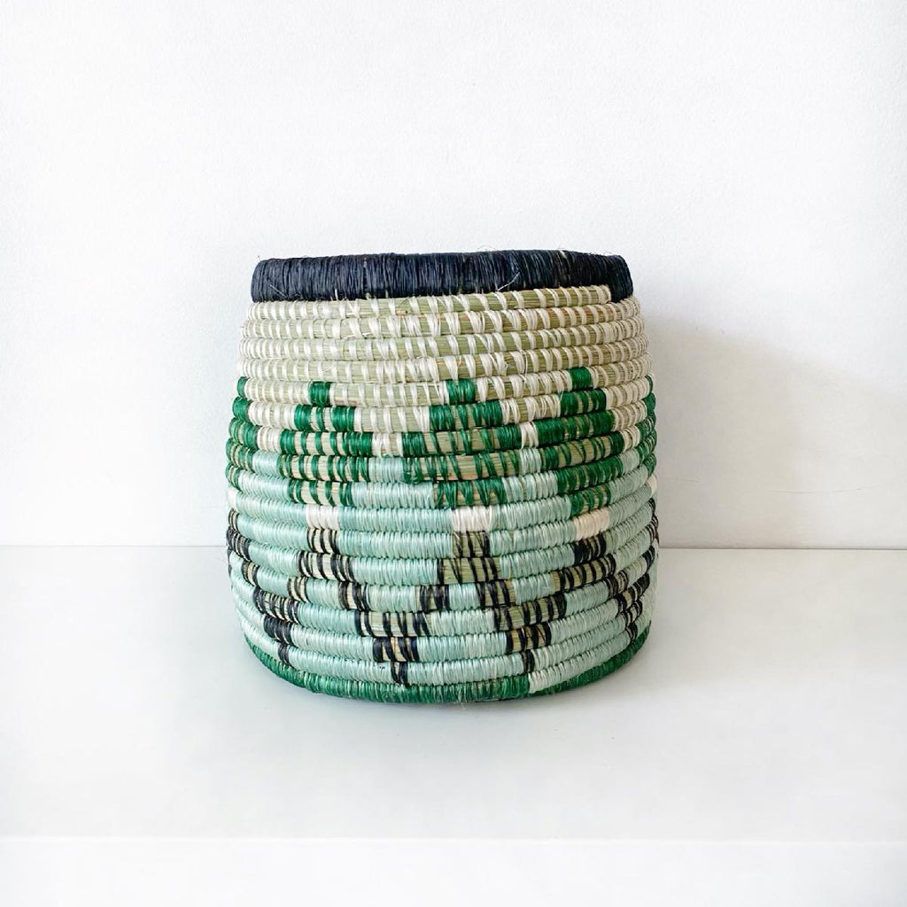 "African woven vessel ""Diyama"" 