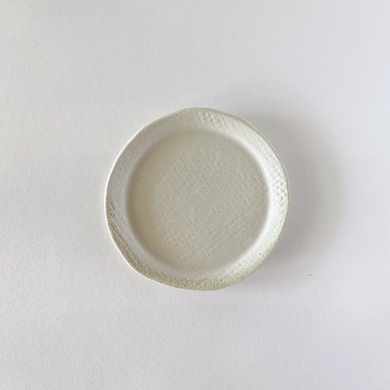 Clay Beehive | scalloped ceramic bowl | spots inside 3 | 7cm