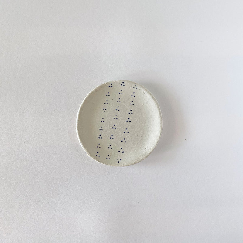 Clay Beehive | handmade ceramic plate | small spots 1 | 10cm