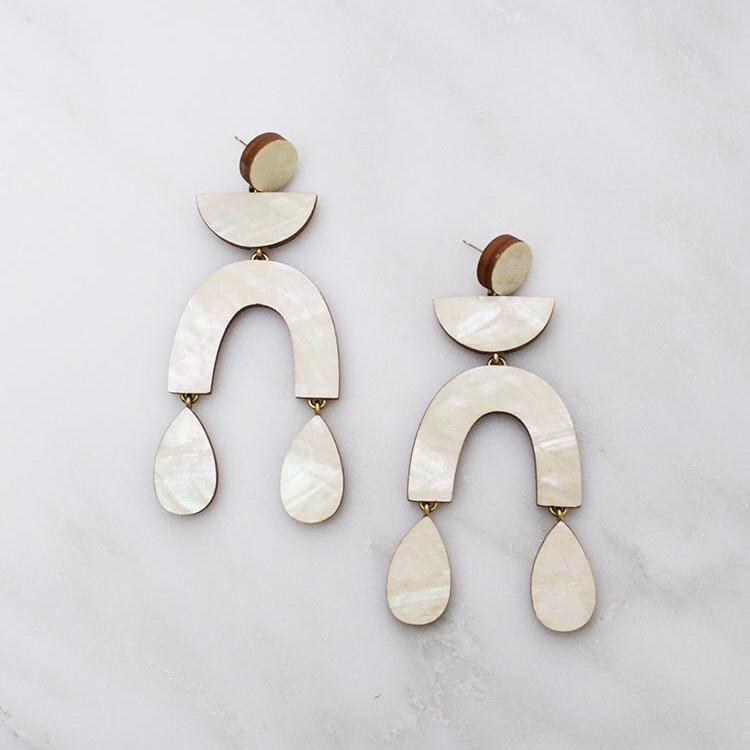 Jewellery - Wolf and Moon | corbero earrings | mother of pearl - mondocherry