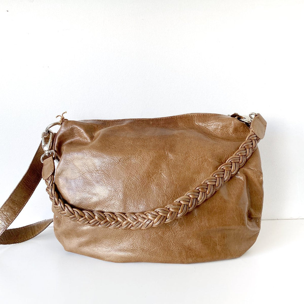 Dusky Robin | meg leather bag | latte