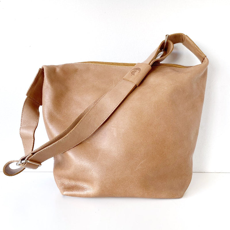 Dusky Robin | alexa leather bag | tan