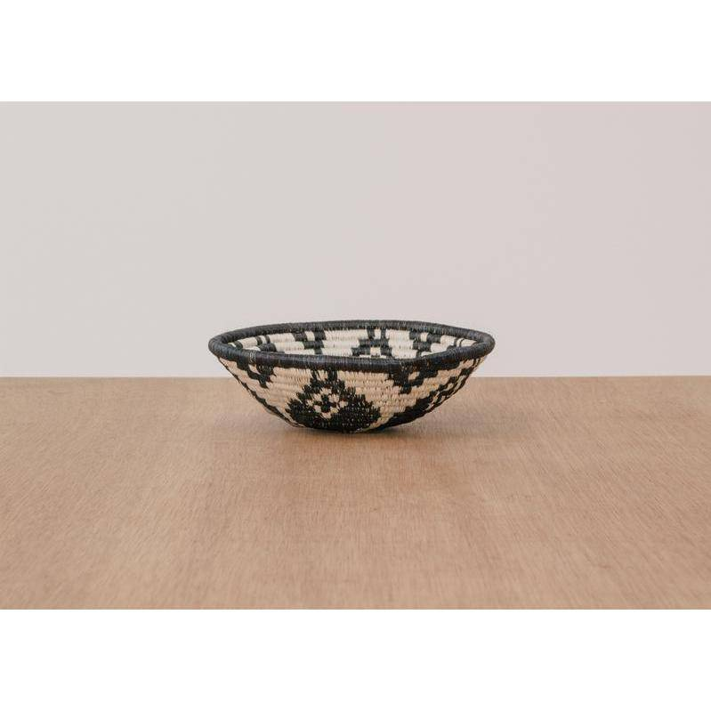 """Ikaze"" African woven bowl #1 