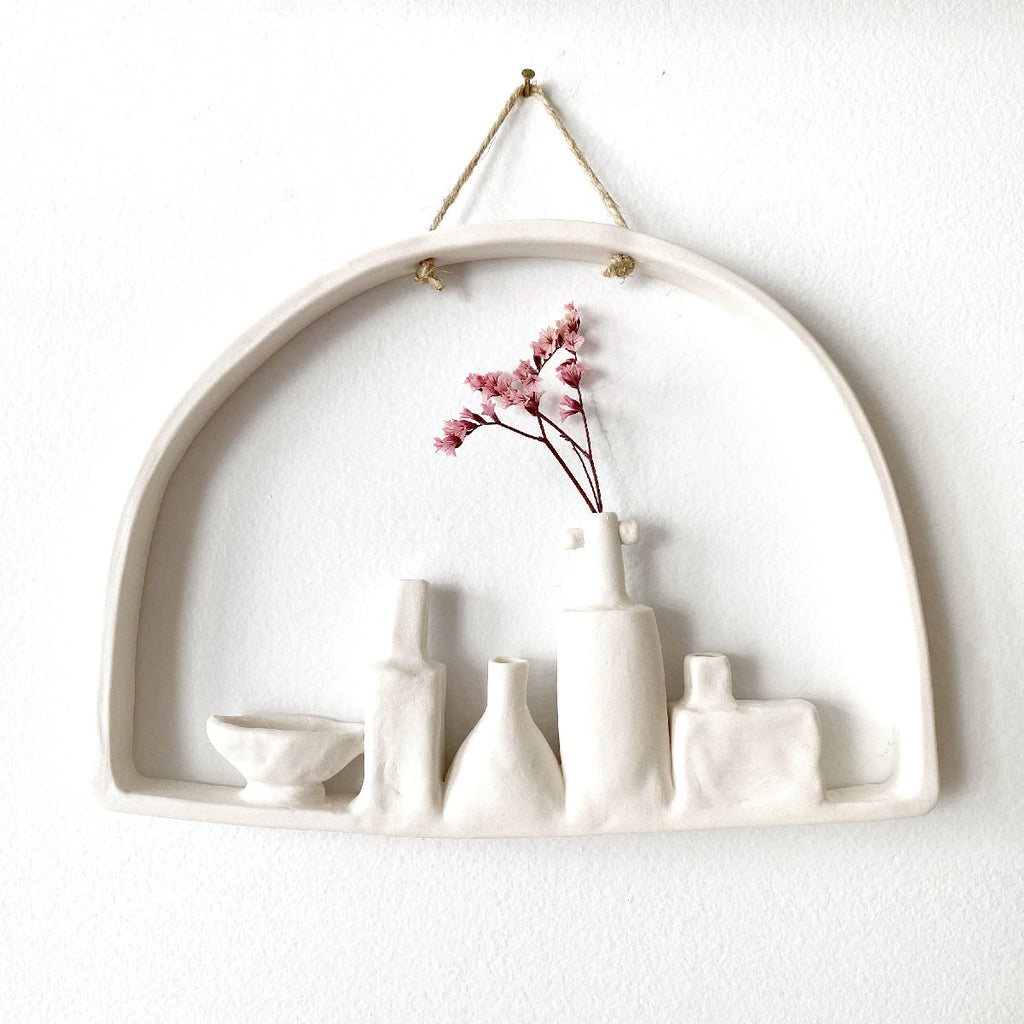 illys wall #1 | wall decor - 5 vases in arched frame