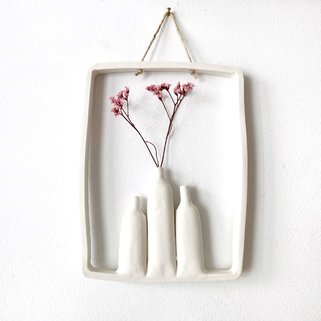 illys wall #4 | wall decor - 3 vases in frame