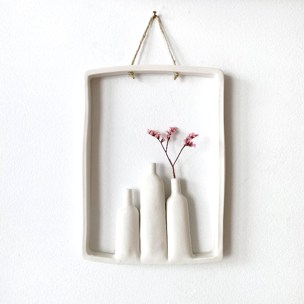 illys wall #8 | wall decor - 3 vases in frame