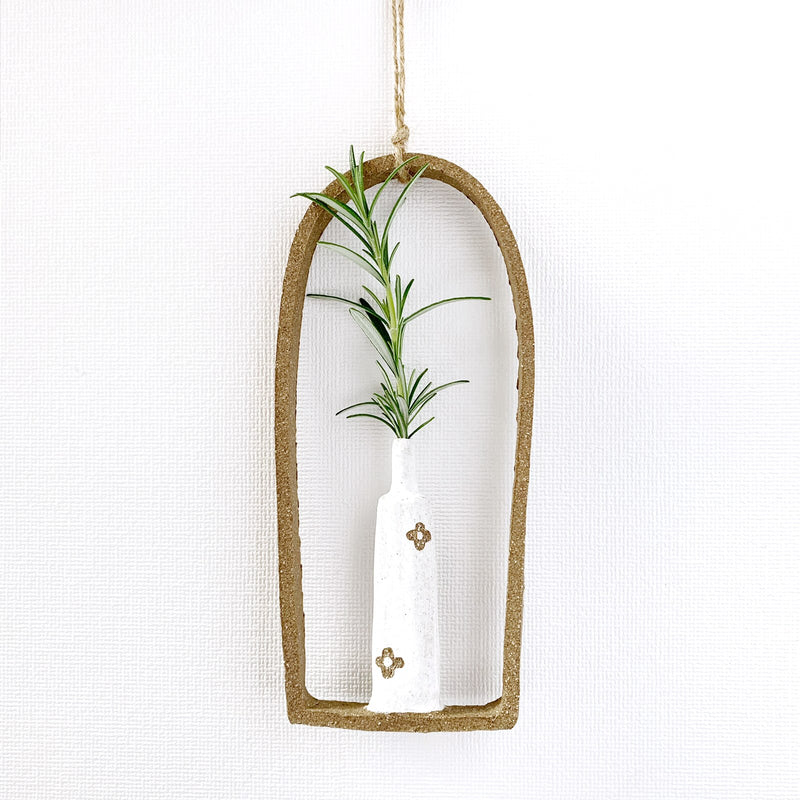 illys wall | single wall vase #4