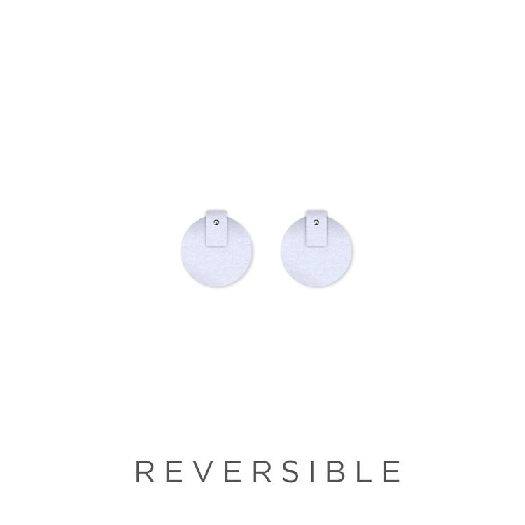 Moe Moe | Kate Mayes medium circle stud earrings | flossy - reverse