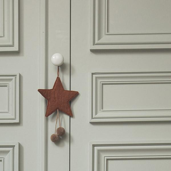 Muskhane | felt pom pom star decoration | natural-pollen - door