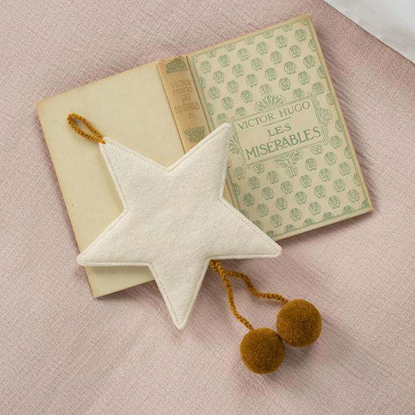 Muskhane | felt pom pom star decoration | natural-pollen - notebook