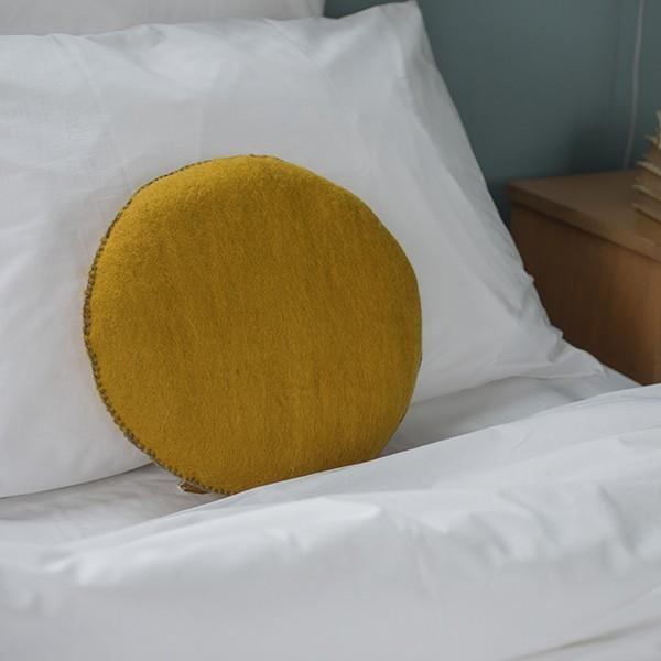 Muskhane nomad cushion - pollen - bed
