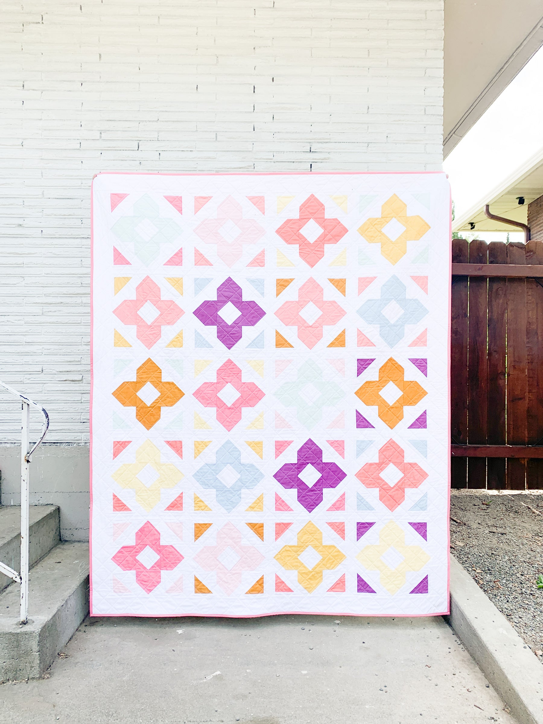 Luminaries quilt pattern by Cotton and Joy is a beginner friendly, FQ friendly quilt pattern