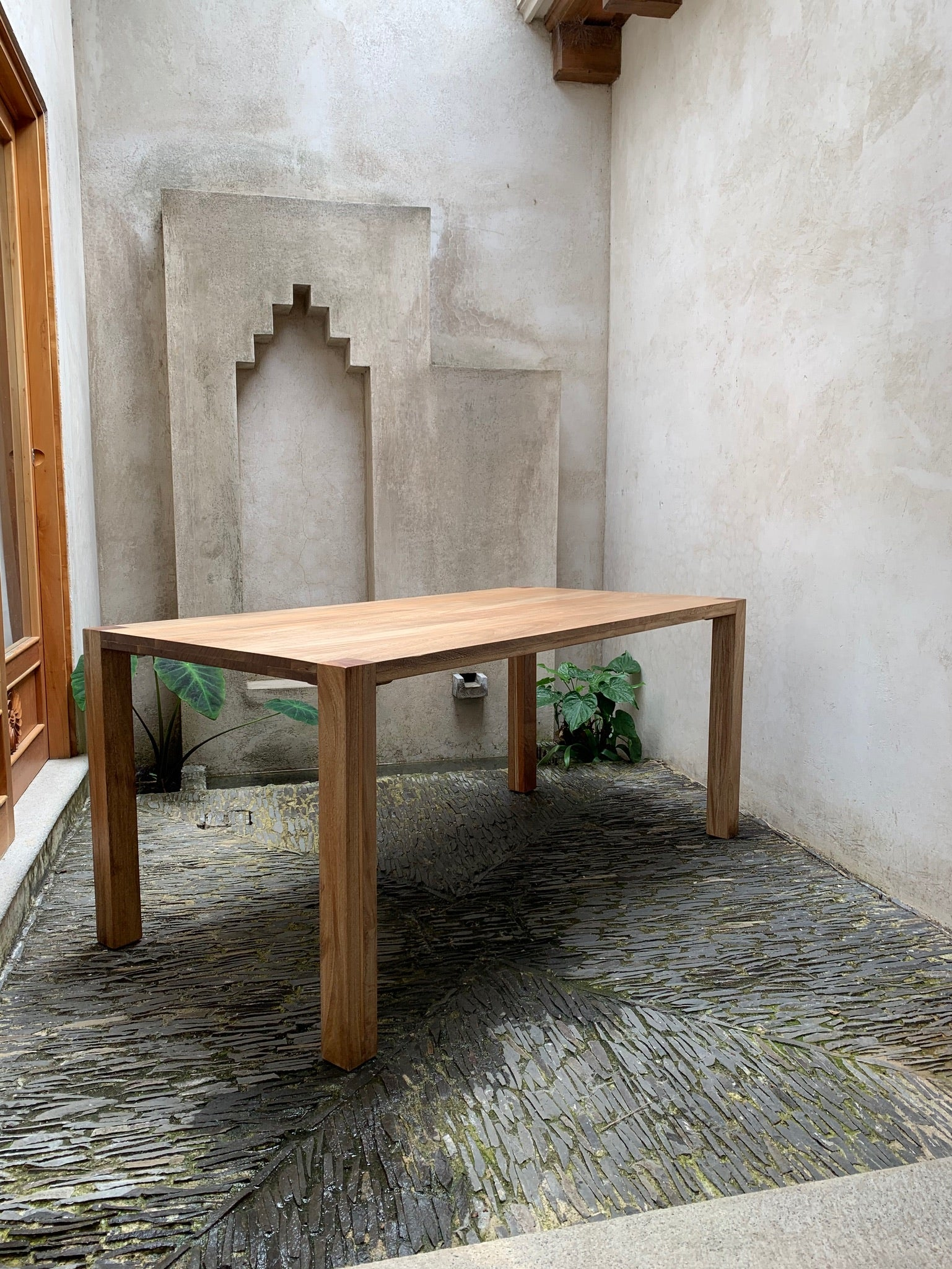 Tortuga Dining Table