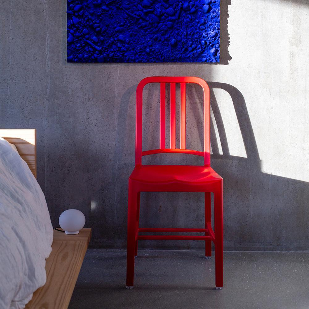 navy 111 recyclée ecoresponsable chaise rouge