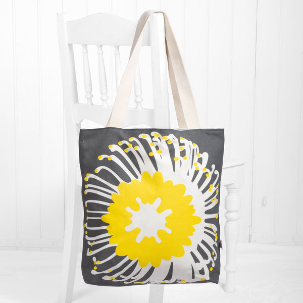 'Giant pin' tote bag